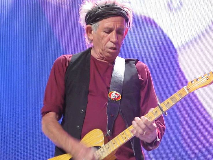 "Keith Richards UP CLOSE!! : ""Jumpin Jack Flash"" - The Rolling Stones Anaheim 5/18/13"
