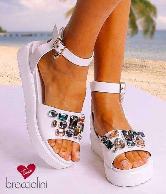 5bcbbcefad sandali-bianchi-con-perle-braccialini-donna-mecshopping ...
