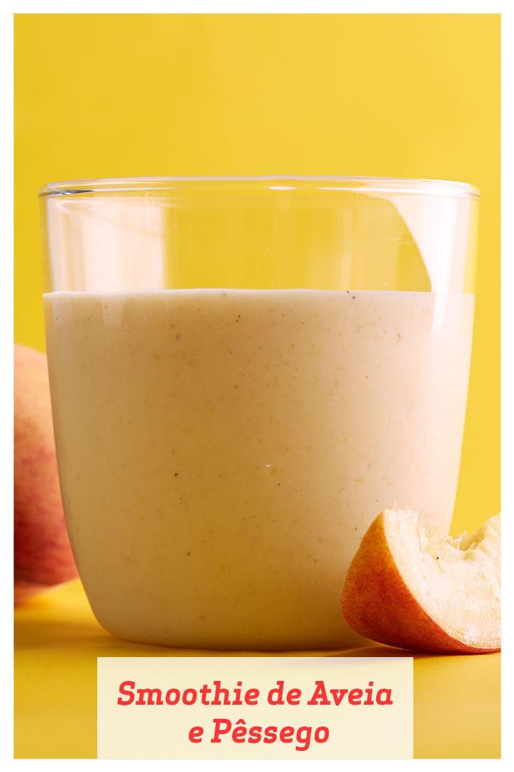 Há poucas coisas na vida tão gloriosas quanto um pêssego suculento e maduro. Este smoothie combina pêssegos com aveia, boa para o coração, que são engordadas e amolecidas em água quente para adicionar consistência e cremosidade.