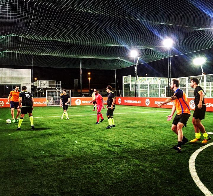 Football Never Stops At Sportsmaniauae  E A Bd Us To Book Your