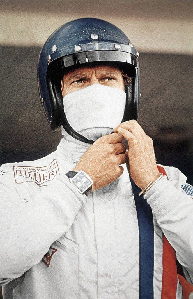 Jack HEUER (Président Honoraire de TAG HEUER) explique l'histoire de cette fameuse montre TAG Monaco qui arriva au poignet de Steve McQueen.
