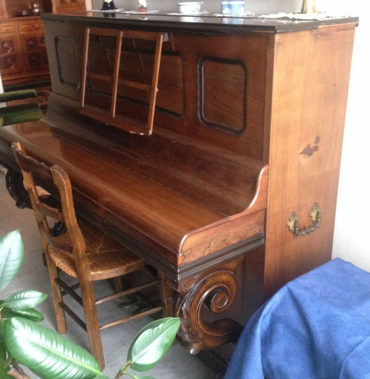 piano de marque Gaveau numéroté 24893 en palisandre cadre métallique.XIX siècle.