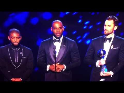 LEBRON JAMES KYRIE IRVING & KEVIN LOVE ACCEPT ESPYS AWARD BEST MOMENT IN…