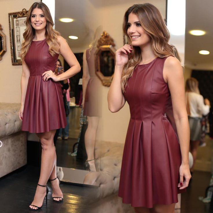 """""""✨Bordô Chic!❤️❤️❤️ APAIXONADA por esse vestido de couro!!❤️❤️❤️ #amounicas #somosunicas #unicas…"""