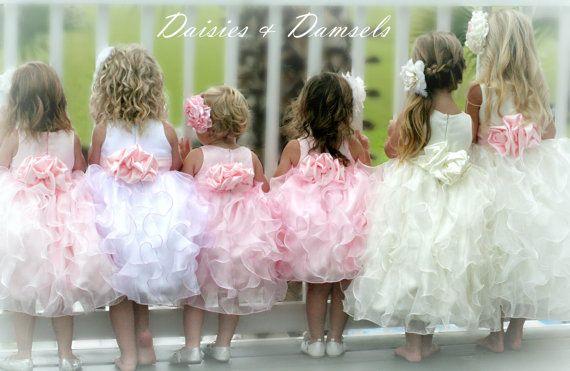 Blumenmädchen in Hochzeitsgesellschaft - Etsy Hochzeiten - Seite 14