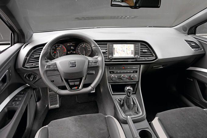 Seat Leon Cupra 280, Cockpit