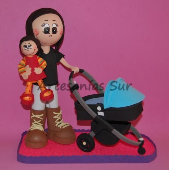 Fofucha mamá con su bebé y carrito