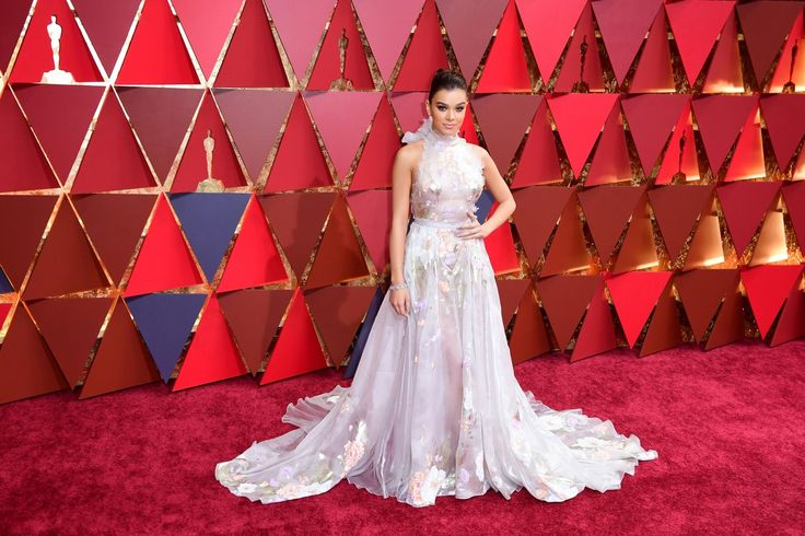 Another year of the Oscars is over and with it has of course come a whole host of memorable gowns. Old Hollywood glamour reigned supreme at the 2017 awards with Emma Stone and Brie Larson choosing vintage-style dresses. Huge fairytale gowns straight from a Disney story were also seen on the likes of Janelle Monae and Leslie Mann. As for colours, gold dominated (think Dakota Johnson in Gucci) along with a vibrant shade of red (Ruth Negga in Valentino and Viola Davis in Armani Prive).