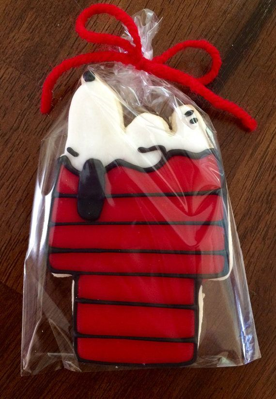 Snoopy Cookies - perfect party cookies!