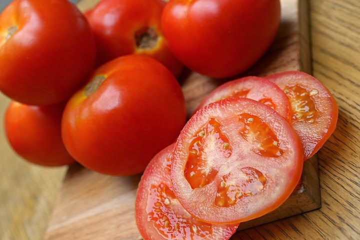 Chopped Tomatoes - Ready for Burgers! by California Bakery