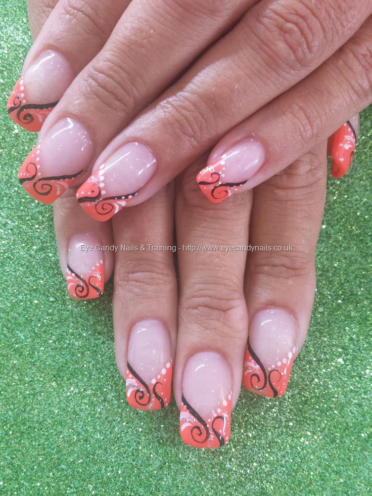 No 3 gel polish with freehand nail art Taken at:29/07/2014 14:21:02 Uploaded at:01/08/2014 19:41:52 Technician:Elaine Moore