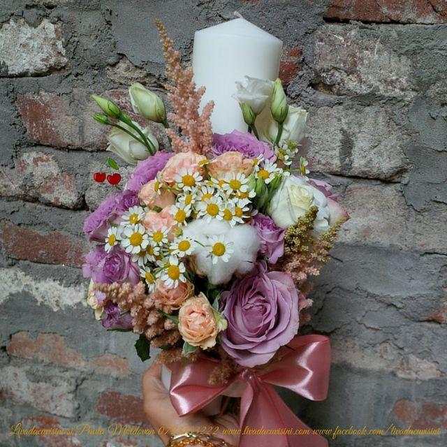 lumanari pentru nunta sau botez #lumanari #flori #nunta #botez #candle #madewithjoy #livadacuvisini #paulamoldovan comenzi la 0723183222 sau livadacuvisini@yahoo.com https://www.facebook.com/media/set/?set=a.951929164870092.1073741830.115955395134144&type=3