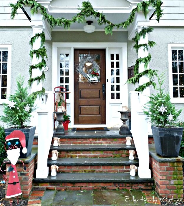 39 Cool Small Front Porch Design Ideas: Tons Of Christmas Decorating
