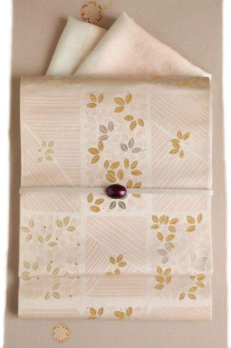 【となみ織物】謹製西陣織袋帯となみ帯引箔市松竹葉文/薄ピンク