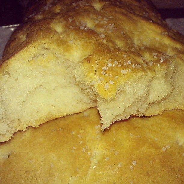 Pan de aceite, típico de los pueblos del Levante español. Éste by mi maridito, que es un artista!! Sólo foto!!  Photo by lamajadeoz