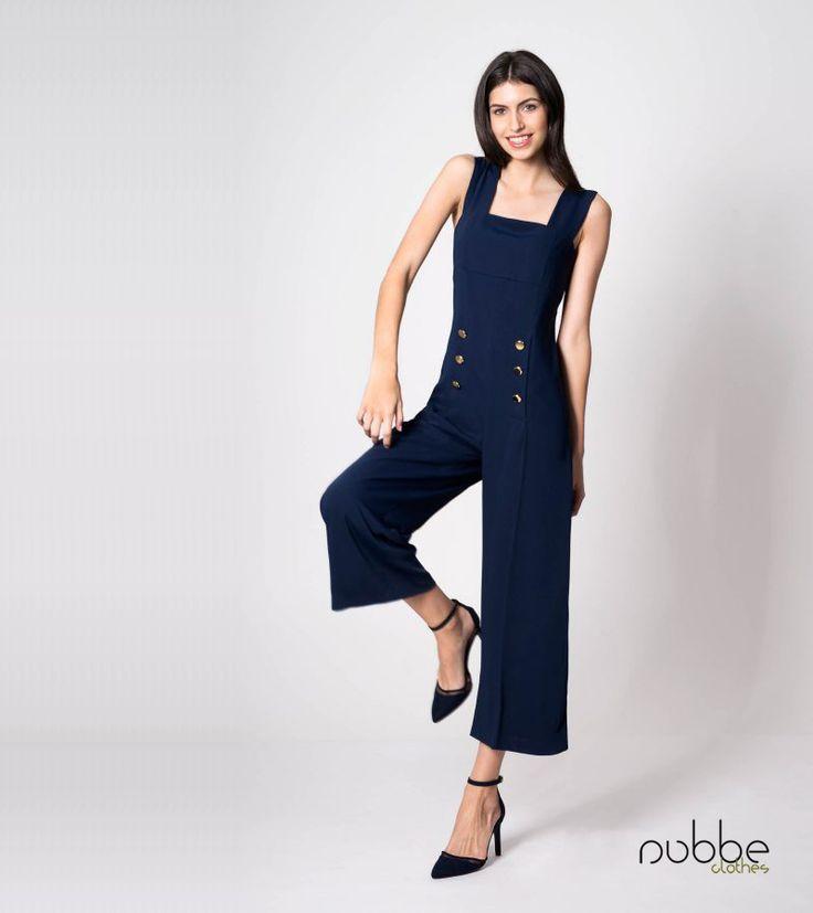 NUBBLE CLOTHES S/S 17 | IN THE NAVY!  Reinventa el estilo #marinero y enfúndate este #mono tan original!  El #mono Sinas, fabricado en #crep #navy y de corte #midi, incorpora #botones dorados delanteros en un guiño a las clásicas chaquetas de la #marina. Es una prenda con #estilo, pero sin dejar de lado la #comodidad, y además es tan #chic...  http://nubbeclothes.com/shop/vestidos-y-monos/mono-sinas/  Imagen: Mono Sinas. Colección Nubbe Clothes #SS17  #moda #fashion #madeinspain #modagallega