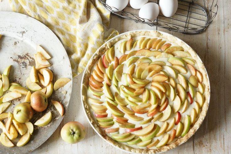 Helppo ja kaunis omenapiirakka hurmaa- turkkilainen jogurtti ja tuorejuusto…