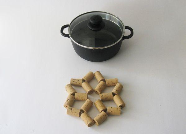 Cork stoppers turned into a hotpanholder in nice star shape by João Gonçalves, DIY, cork, craft idea
