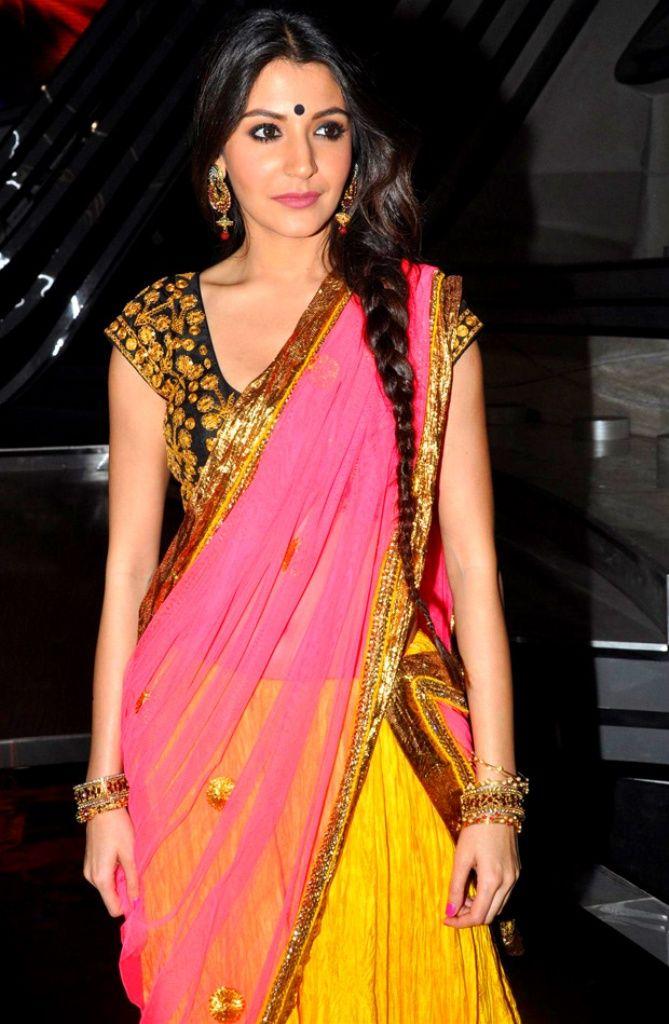 actress-anushka-sharma-saree