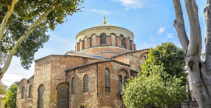 Although it is now located within the walls of Topkapi Palace, Hagia Eirene was connected to Hagia Sophia by porticos in Byzantium. They were both kno...