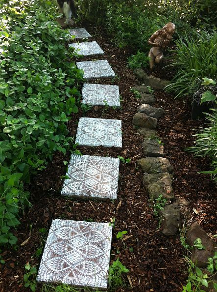 This DIY lace stepping stones garden path is low-cost with high impact.