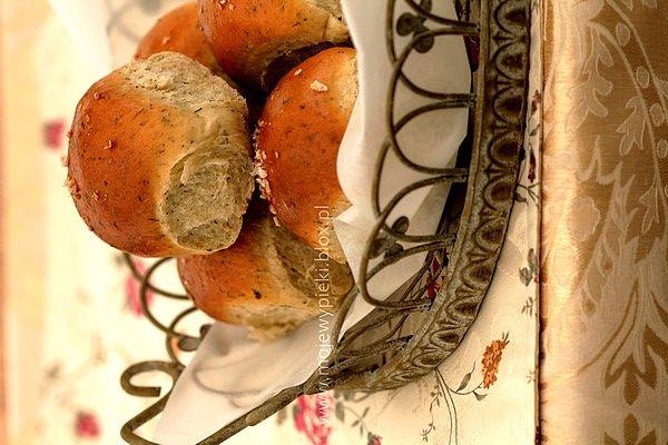 Puszyste ziołowe bułeczki-co z jajkiem?