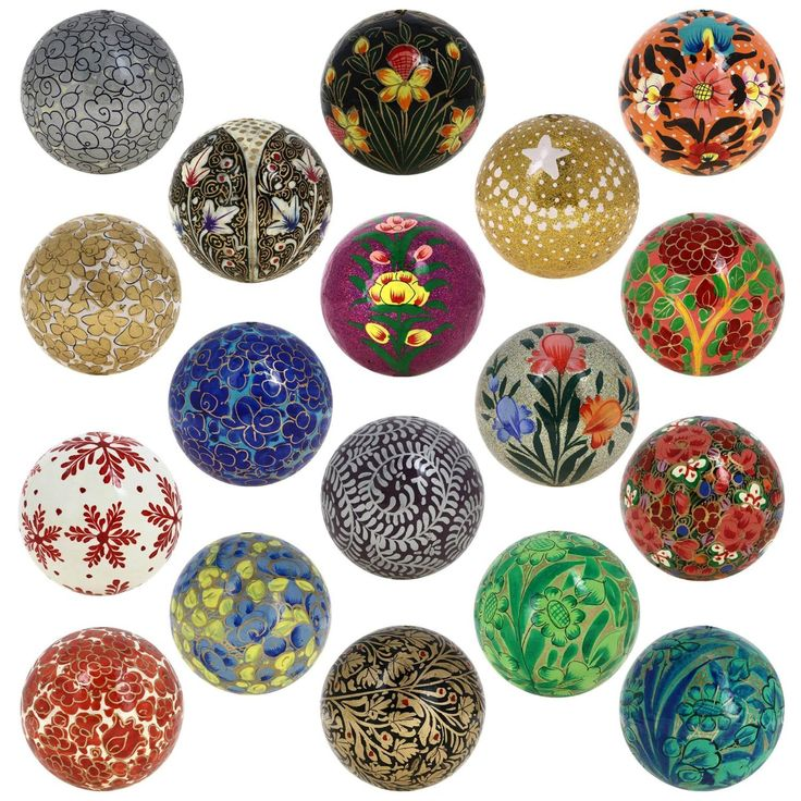 Create a holiday decoration scheme with the Glass Christmas Ornaments Engraved Collectible Tree Painted Balls Decor that will delight your guests and make your home look festive and bright with our Set of 18 Paper Mache Ball Christmas Ornaments.