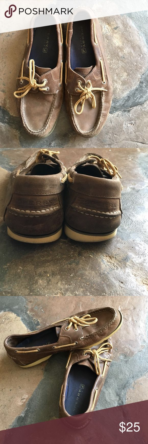 Sperry Top Sider Men's 10 1/2 leather Sperry boat shoes. Worn well but still have years of use! Sperry Top-Sider Shoes Boat Shoes