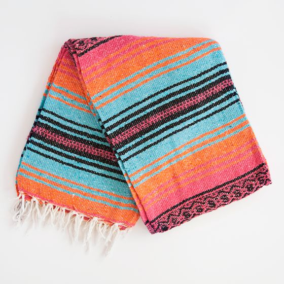 25+ Best Ideas About Mexican Blankets On Pinterest