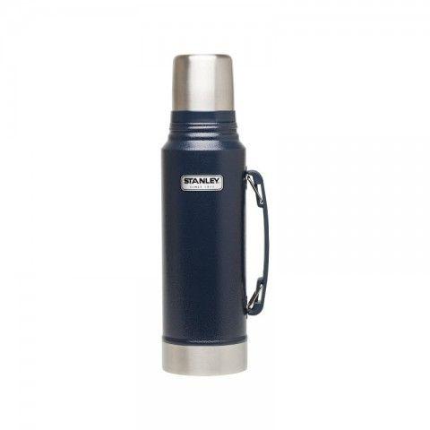 Køb STANLEY TERMOFLASKE CLASSIC FLASK BLÅ 1 L online hos BAUHAUS.  Stanley termoflaske Classic Flask blå 1 l Kvalitetstermoflaske, eller termokande, fra Stanley, som holder helt tæt og kan holde eksempelvis kaffe