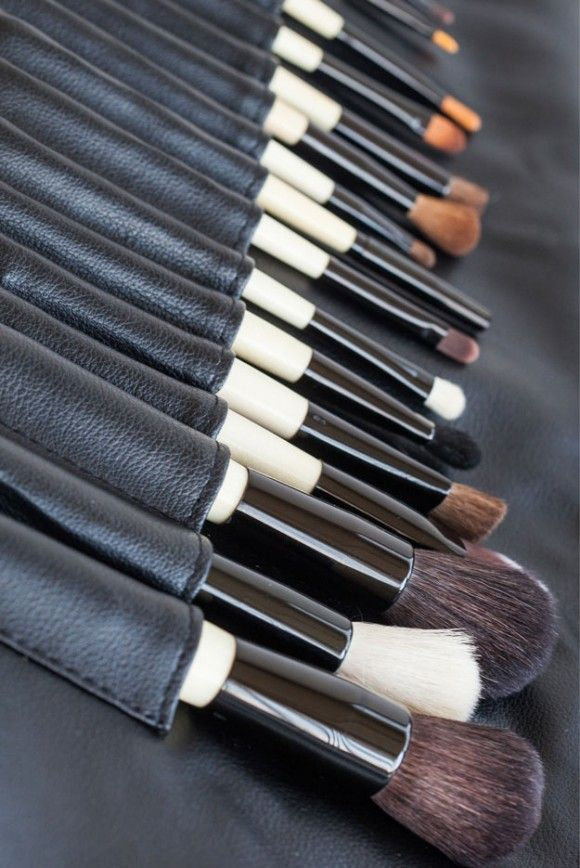 How To Shop For The Best Makeup Brushes | Makeup Tutorials http://makeuptutorials.com/how-to-shop-for-the-best-makeup-brushes