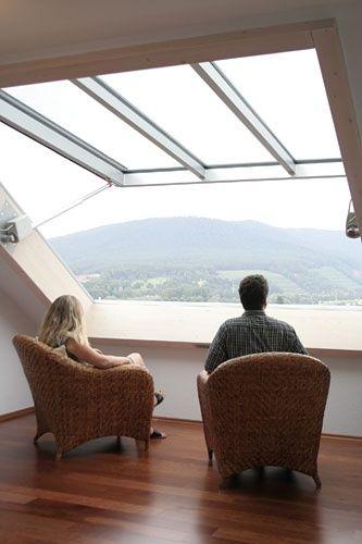 Pour : sans doute la meilleure option de fenêtre dans la mezzanine côté jardin.