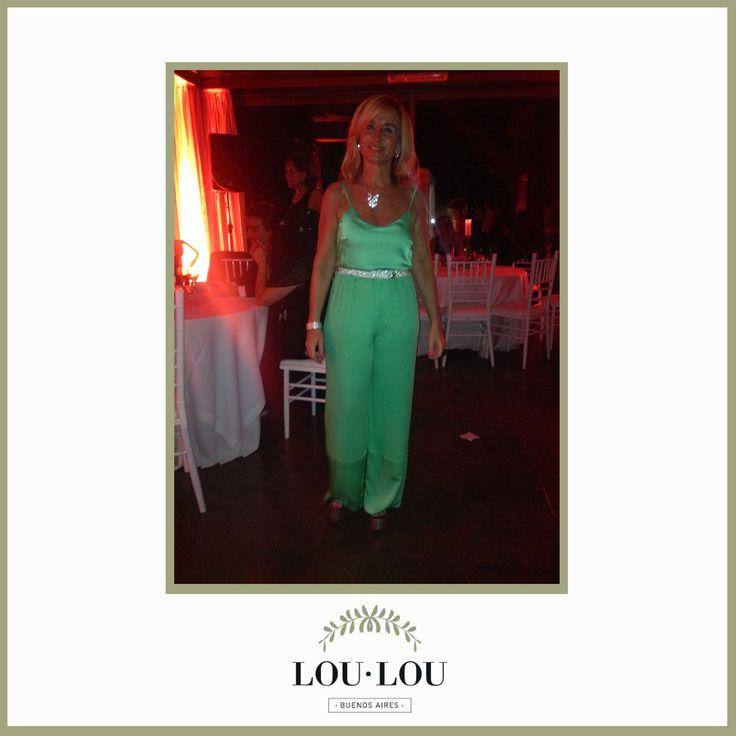 Monocolor!! Pantalón Lyon y musculosa Estrasburgo en verde