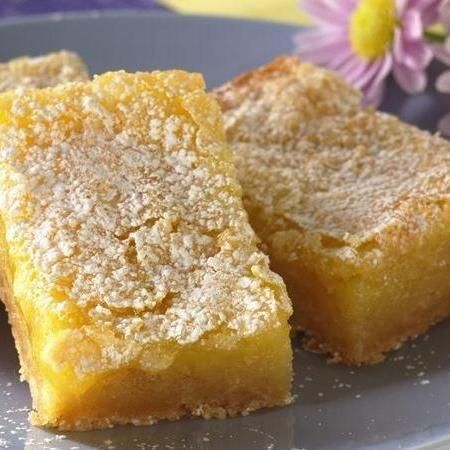 Who would have guessed a pouch of sugar cookie mix got these Sunny Lemon Bars off to a deliciously sweet start?