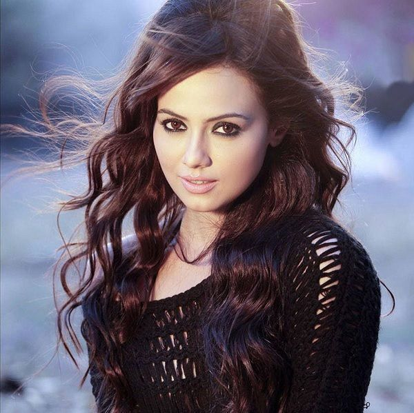 Sana Khan to sizzle on the big screen with erotic thriller Wajah TumHo