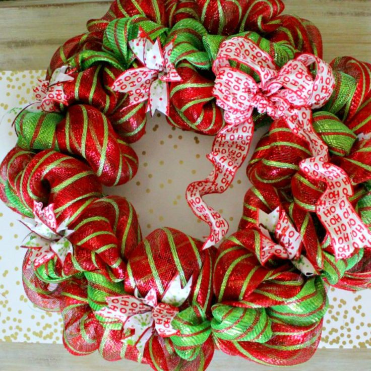 With my easy Christmas Wreath tutorial you can make your own designer look wreath for less than $30.