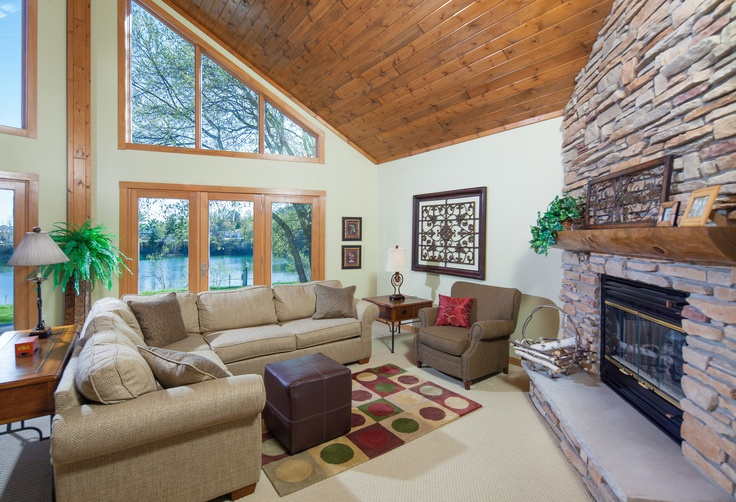 18 best cedar ridge by dickinson homes images on pinterest for Vaulted ceiling great room