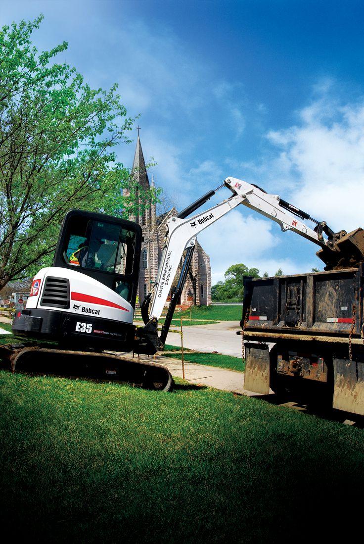 Bobcat E35 Compact Excavator - Bobcat Company Excavator Training www.scissorlift.training