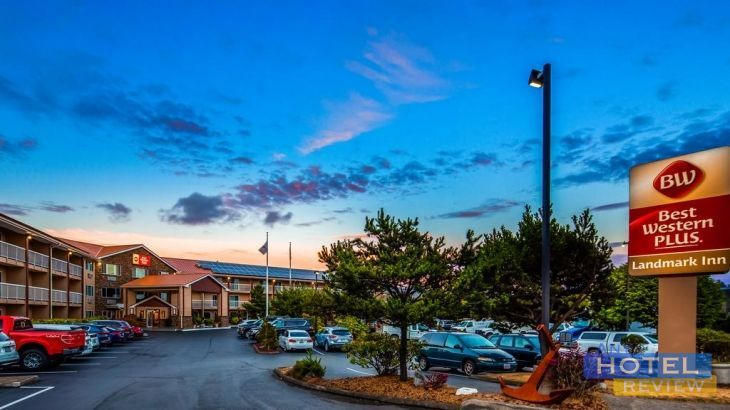 This Hotel Is Located Off Highway 101 In Lincoln City Oregon It Offers Rooms With Free Wi Fi A Flat Screen Tv And Dvd Player And An Indoor Pool Chinook Win