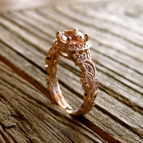 Like: Stone (Morganite) Stone shape Rose gold band matches stone