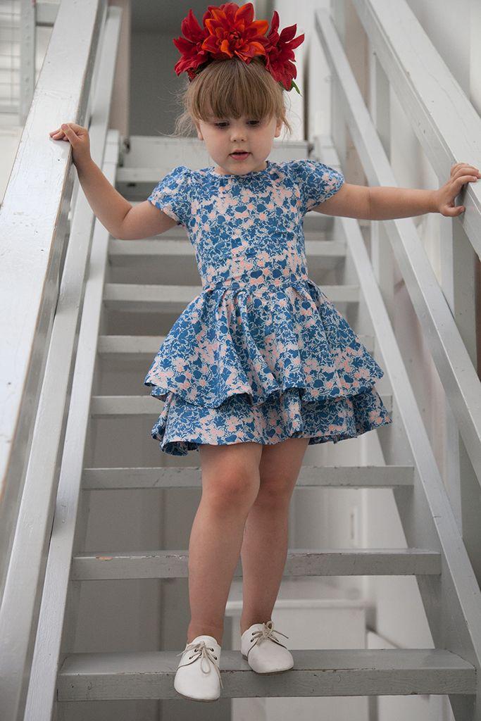 Anïve for the minors . Dancing Dress .