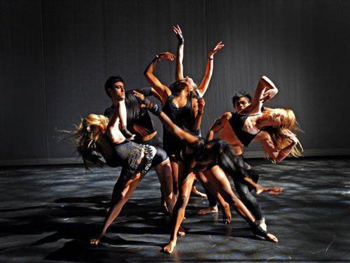 Modern dance interpretation for fluid scene transitions