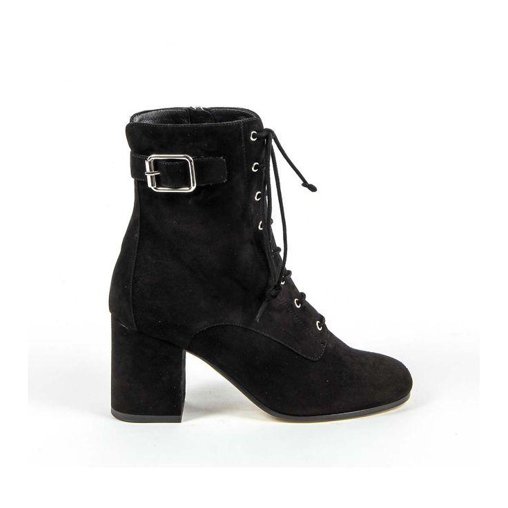 Versace 19.69 Abbigliamento Sportivo Srl Milano Italia Womens Short Boot 3115425 CAMOSCIO NERO