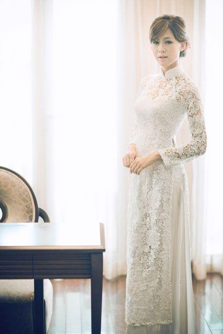 Áo dài ren thanh lịch và gợi cảm cho cô dâu