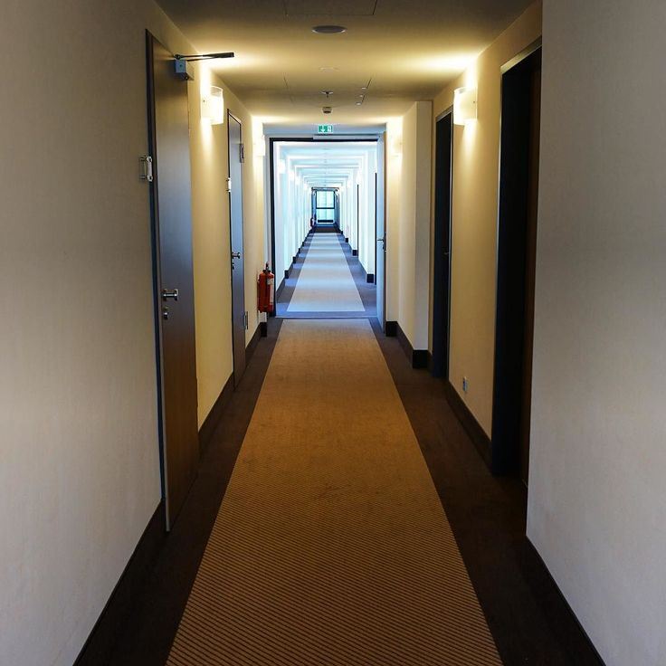 ...and my final shot from #Berlin is this little bit of #perspective along the #InterCityHotel #corridor at Berlin #Hauptbahnhof...next stop Jena... #tourist #travel #tourism #leisure #life #design #IgersBerlin #IgersGermany #Deutschland #solotraveller #solotravels #solotravel #VisitBerlin #VisitGermany #hospitality #hotel #art #culture #decor