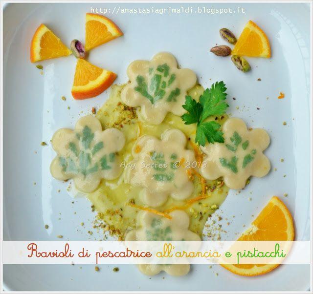 Ravioli di pescatrice alll'arancia su salsa ai pistacchi