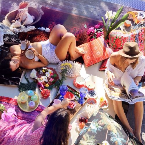 Coconuts and a lazy Thursday tea party with gigi-serendipity and hatrik