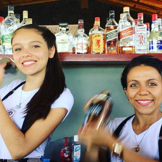 Happy Hour Wednesday!  $3 cocktails from 5-6pm  Every Wednesday!  .  .  .  #margarita #piñacolada #mojito #whiterussian #santamariasunset #cocktail #wednesday #happy hour #bartenders #pastalavista #nicaragua #discovernicaragua #surfdrinkpastalavista