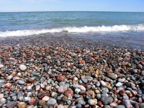 Good article on rock hunting!!! Bebe'!!! Love the rocky beaches!!!