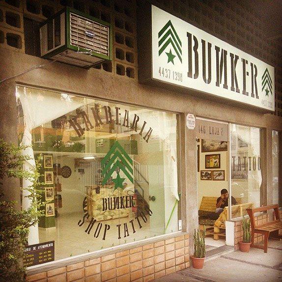 A Bunker Barber Shop Tattoo mistura barbearia e estúdio de tatuagem. R. Antônio Bastos, 146 - Vila Bastos, Santo André (11) 4437-1398
